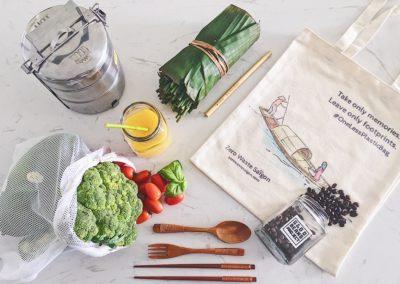 veggie-bag-wooden-cutlery-coffe-beans-glass-jar-grass-straw-tiffin-cloth-bag-zero-waste-saigon